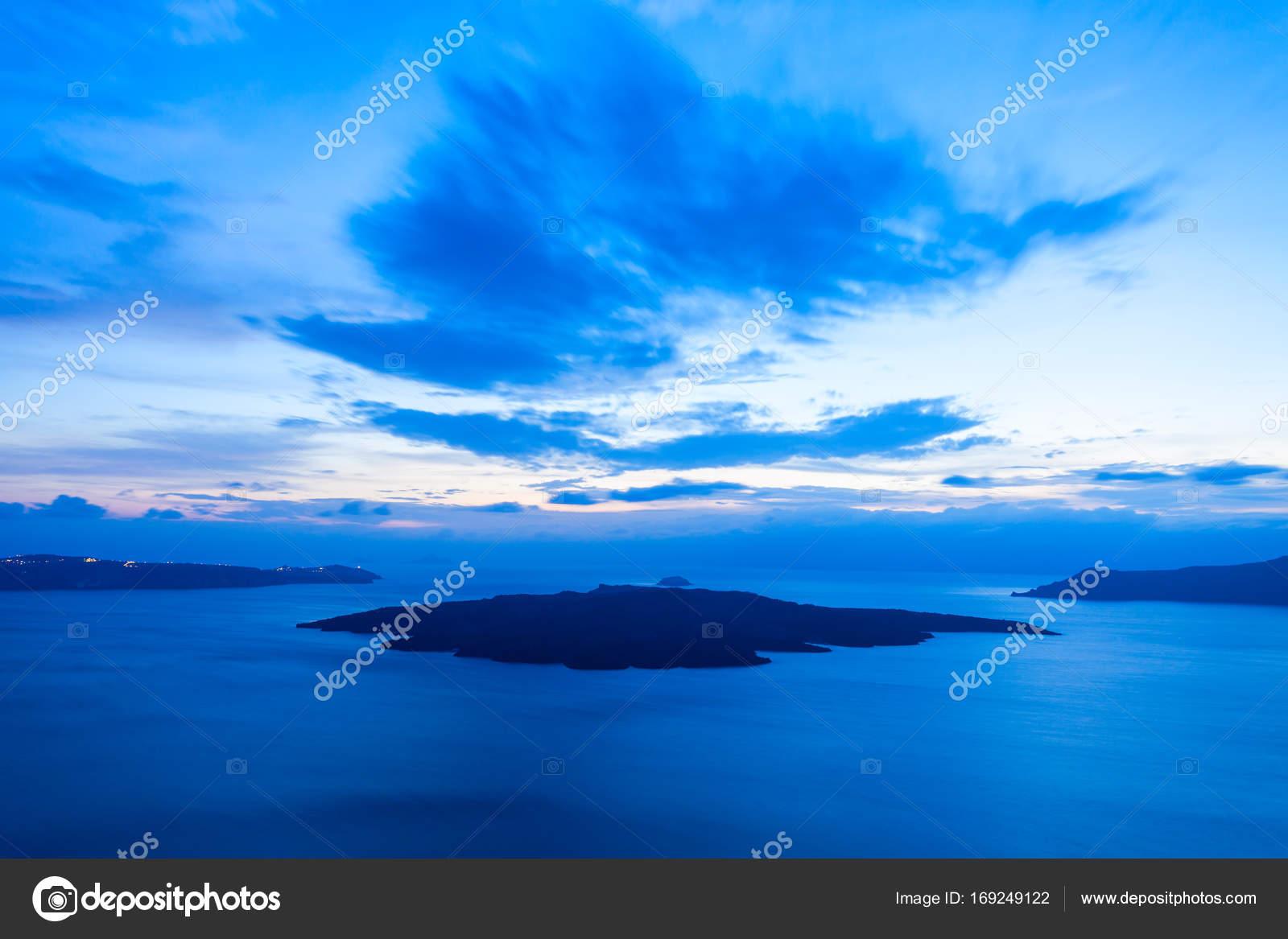 Santorini volcano caldera, Greece — Stock Photo © saiko3p