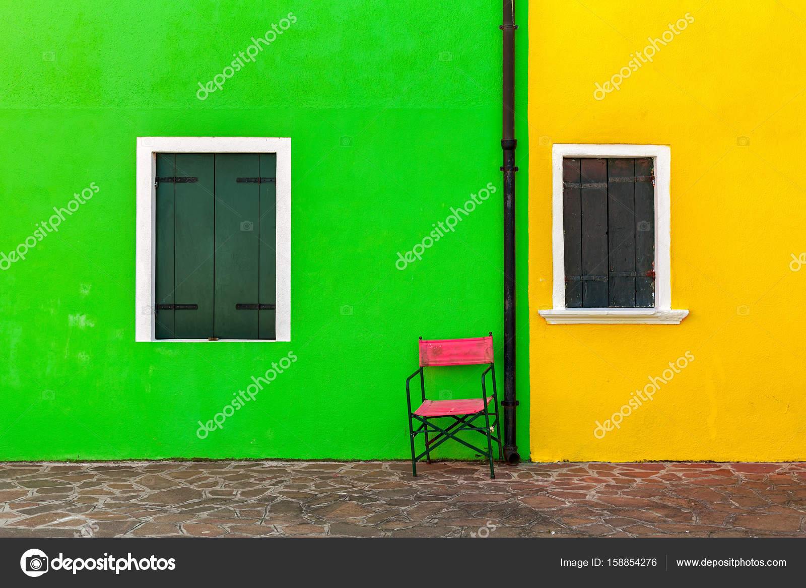Bunte Fassade Des Hauses In Burano Stockfoto C Rglinsky 158854276