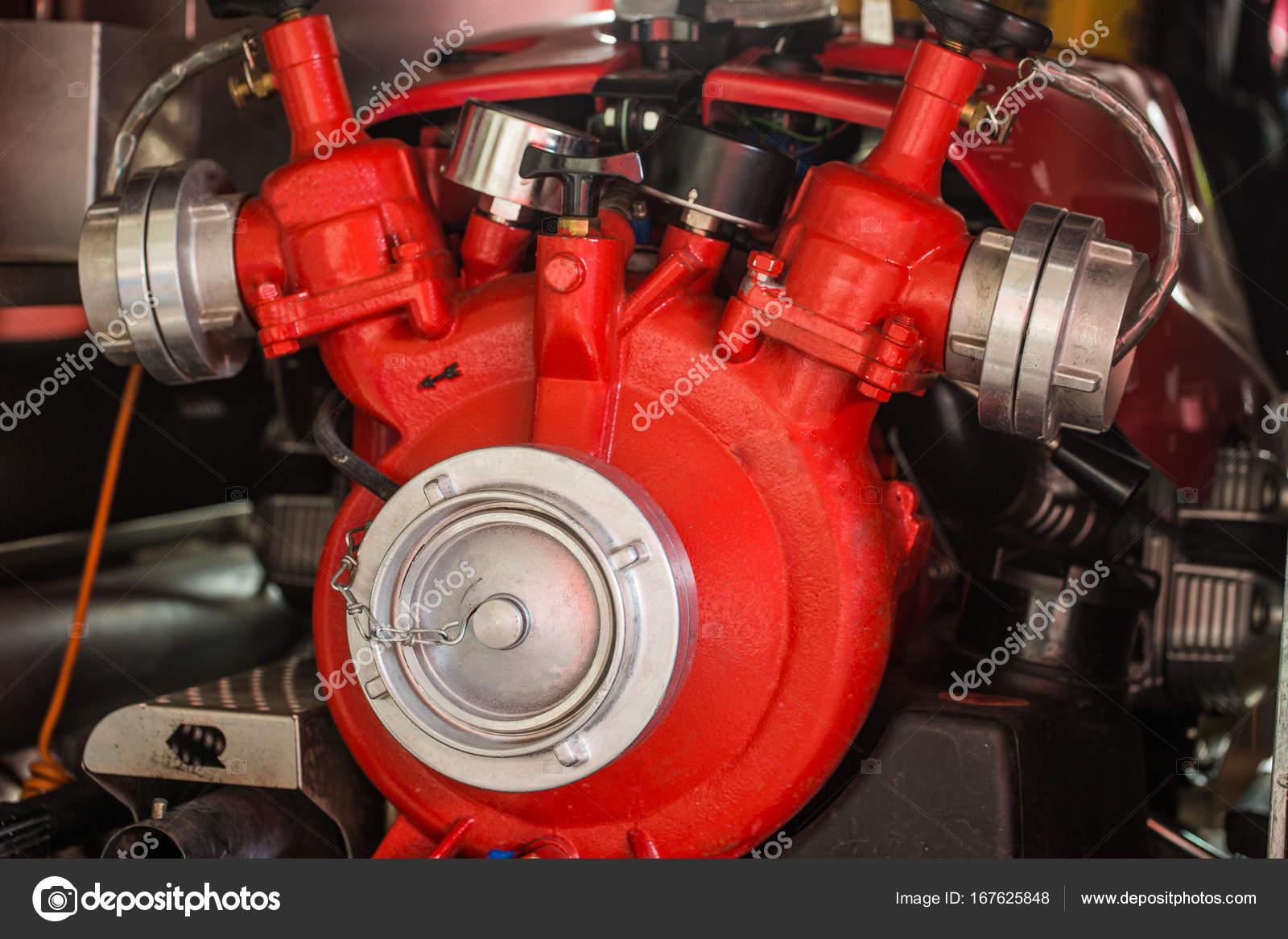lintrieur dun camion de pompiers accessoire pompier image de colour