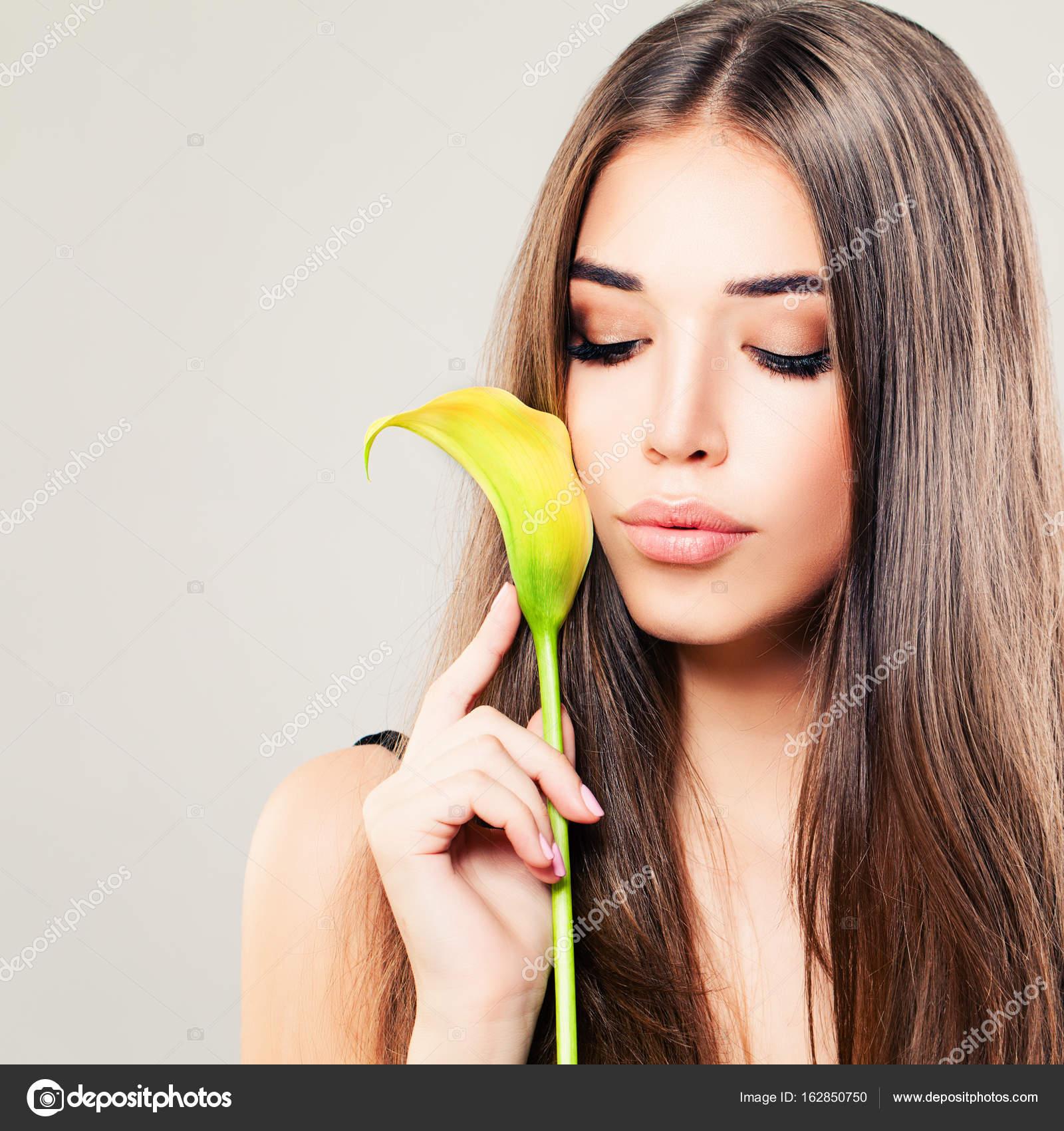 Foto di modelli con capelli lunghi