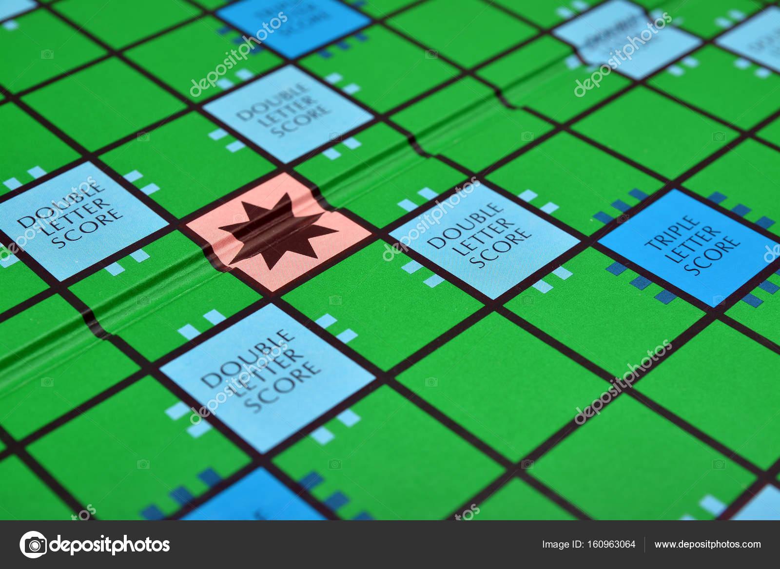 Juego De Mesa Scrabble Fotos De Stock C Ibogdan 160963064