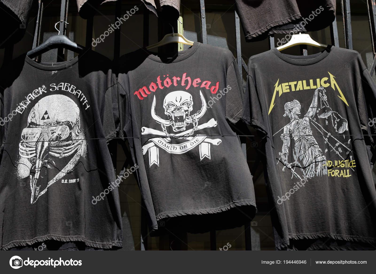 fcf9365cf053 heavy metalová trička - Stock Editorial Foto © sirylok   194446946