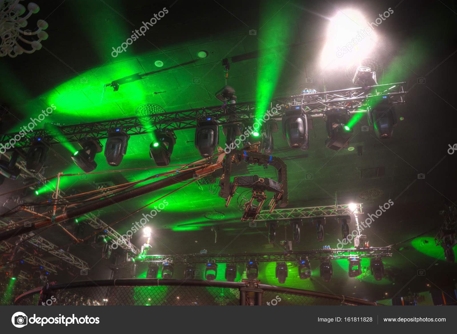 Concert Avec Prise De Vue A La Tele Photographie Lindrik C 161811828