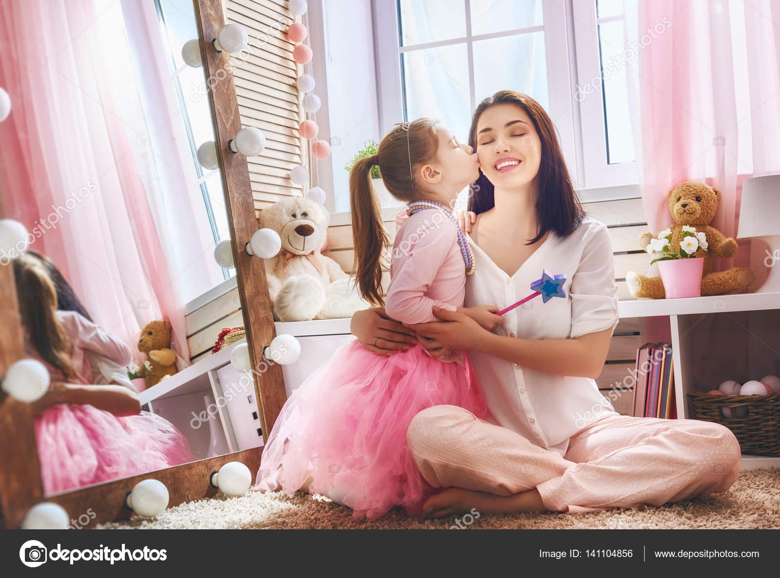 Стихи дочери от мамы трогательные до слез  Коркиlol