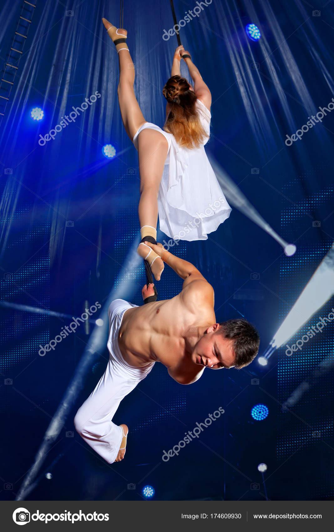 Цирковые гимнастки в сексе