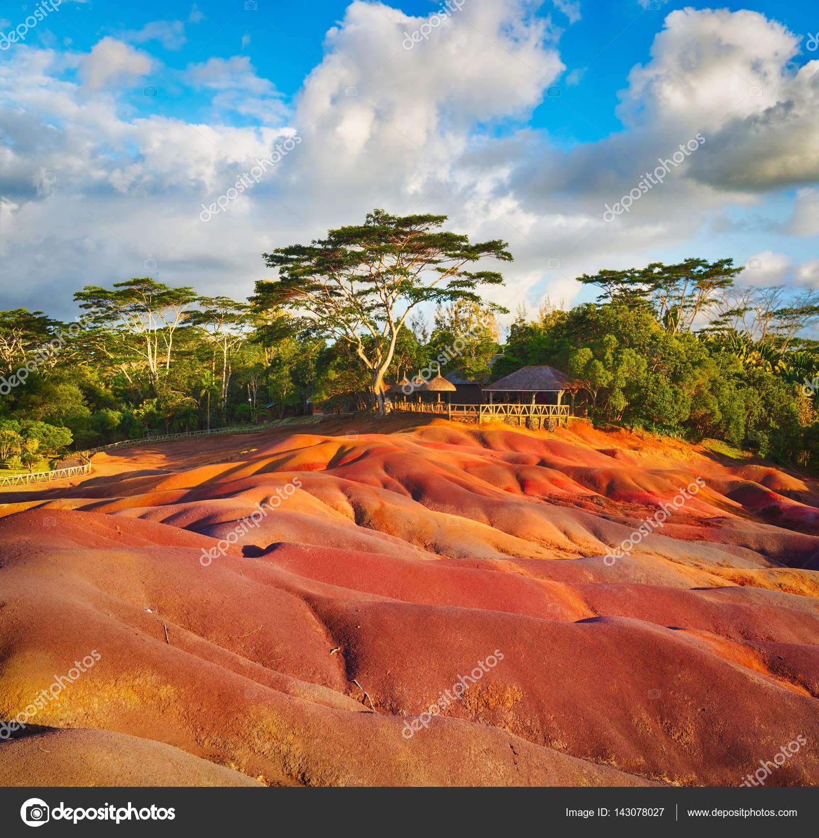 Sieben Farben Erde. Mauritius — Stockfoto © GoodOlga #143078027