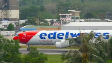 Edelweiss Airbus 340 accelerate