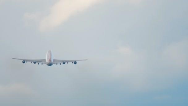 Großraumflugzeug aufgestiegen
