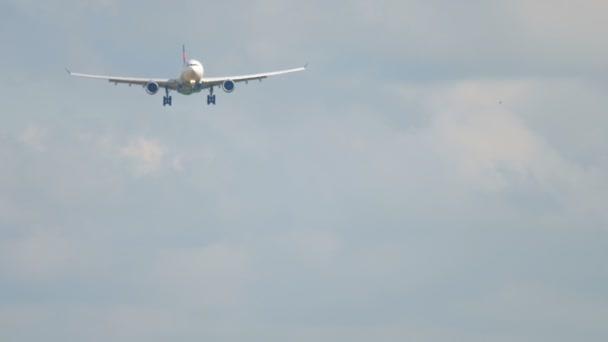 Großraumflugzeug im Anflug