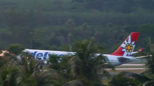 Edelweiss Airbus A340 landing
