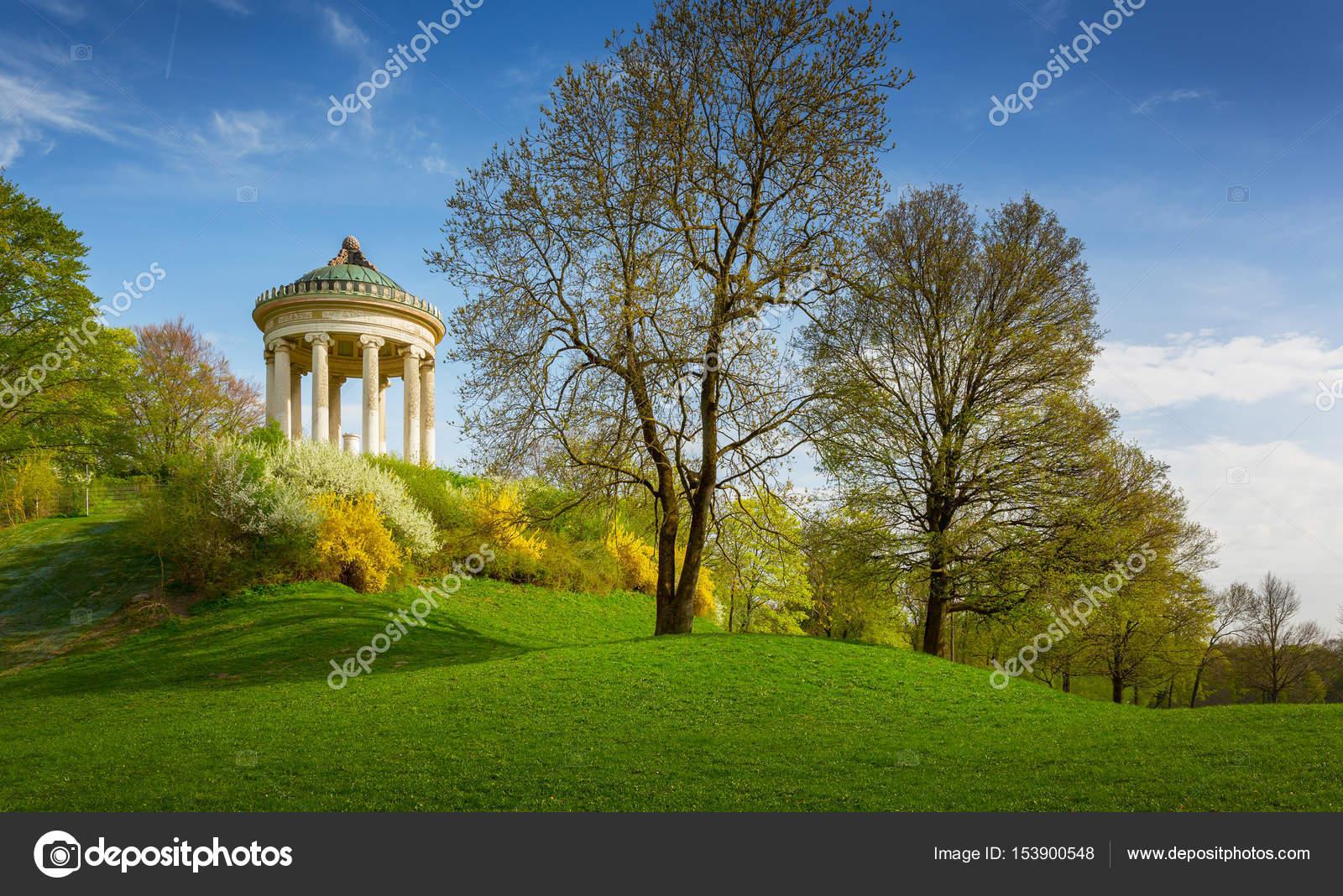 Tempel Der Monopteros Im Englischen Garten München Bayern