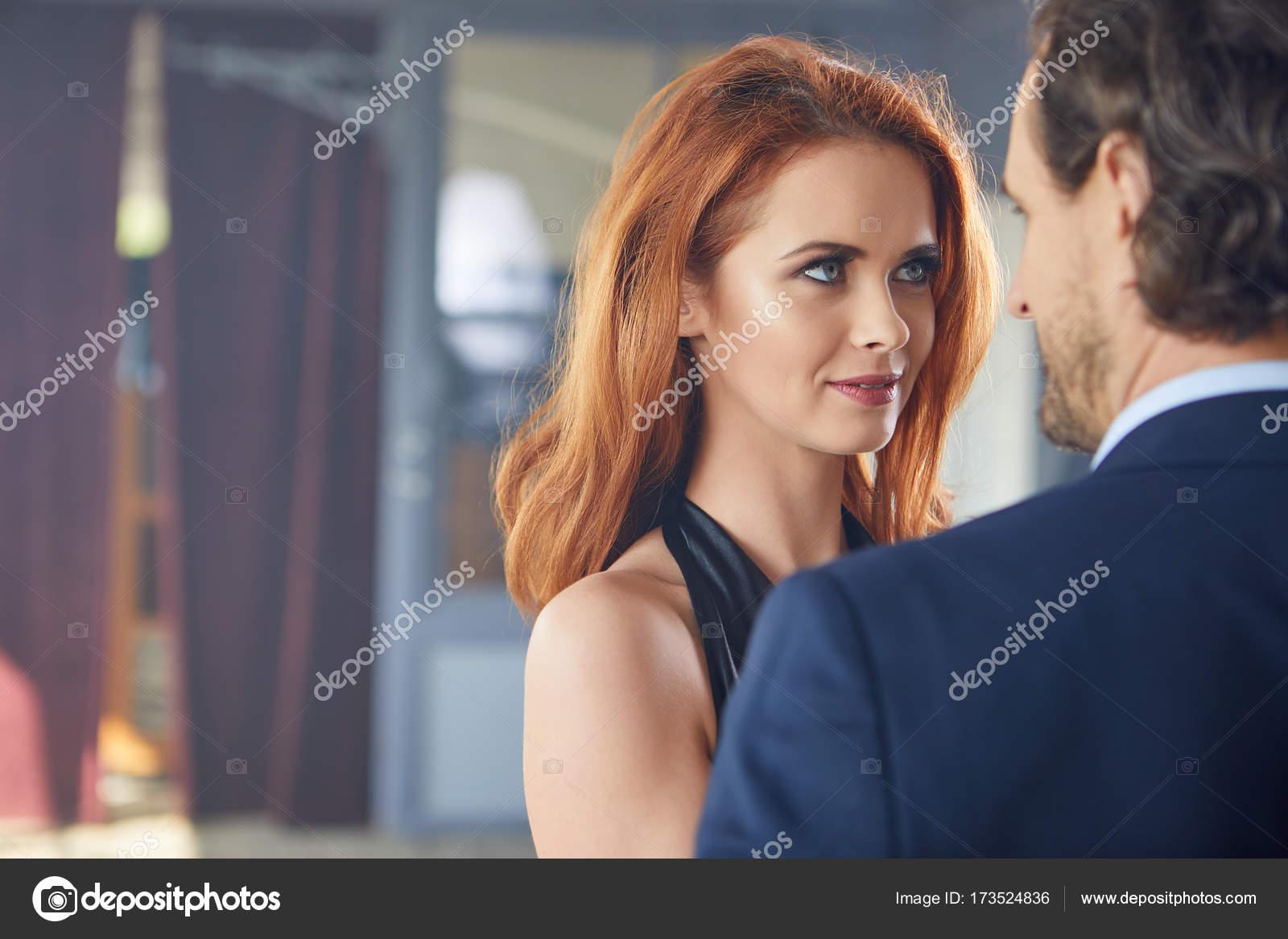 Beau Couple Romantique Des Amoureux Photographie Zoomteam 173524836