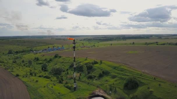 Piattaforma petrolifera e raffineria di petrolio - impianto petrolchimico