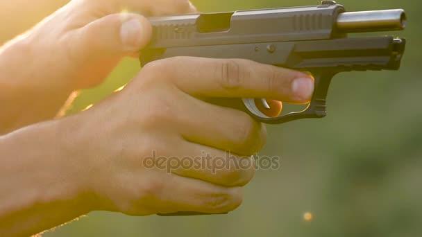 Fegyver lövés közelről