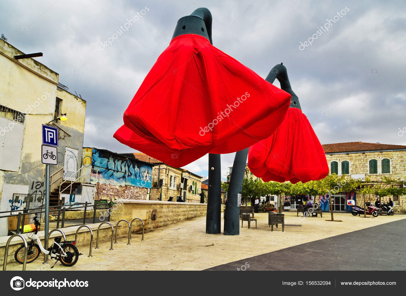 Installation De Rue En Forme De Tulipes à Jérusalem Photographie
