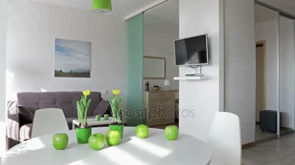 4 k. interiéru nový moderní byt ve skandinávském stylu. Pohybu panoramatický pohled.