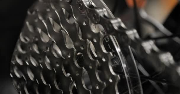 Detailní pohled na zařízení systému závodní kolo, kolo shop