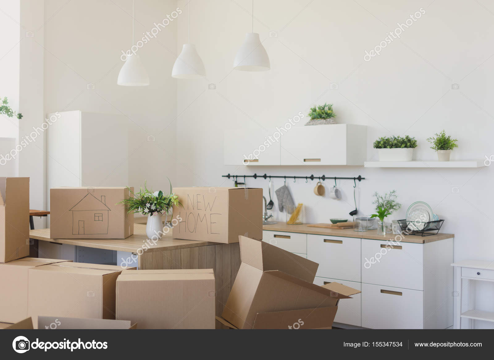 Neuen Hausbesitzer Auspacken Boxen, Boxen große Pappe in neues ...
