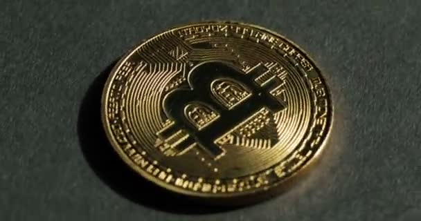 Биткоин монета видео как заработать биткоины iphone