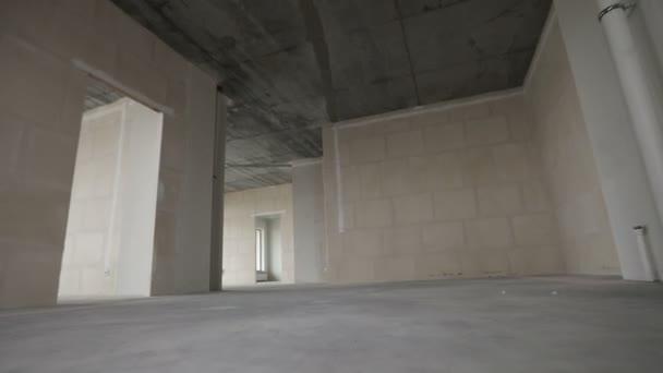 Domácí interiér procházka nový byt bez dokončení