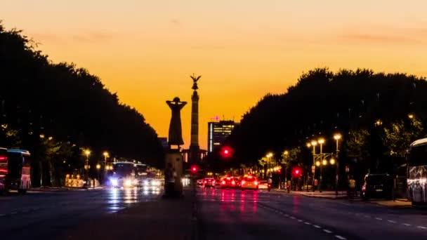 TimeLapse: Victory Column egy emlékmű, Berlin, Németország. Tervezte Heinrich Strack, 1864-ben, a porosz győzelem a dán porosz – francia háború emlékére