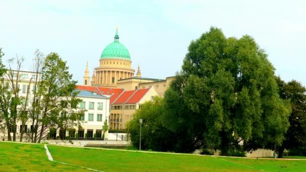 Kostel svatého Mikuláše v Postupimi je evangelicko-luteránské církve na Old Market Square (Alter Markt), Německo. Centrální plán budovy v klasicistním stylu byla postavena k plánům Friedrichen Schinkelem.