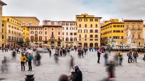 Timelapse: Panorama náměstí piazza della Signoria, je ve tvaru L náměstí před Palazzo Vecchio ve Florencii, Itálie. Byla pojmenována po Palazzo della Signoria, také nazýván Palazzo Vecchio