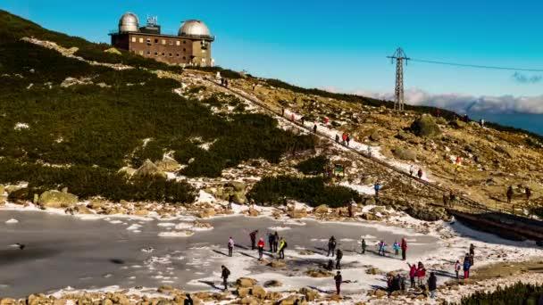 Tatry, Slovensko - 31 října 2016: observatoř na Lomnického štítu ve Vysokých Tatrách. Tatrách, Tatry nebo Tatra, jsou pohoří, který tvoří přirozenou hranici mezi Slovenskem a Polskem