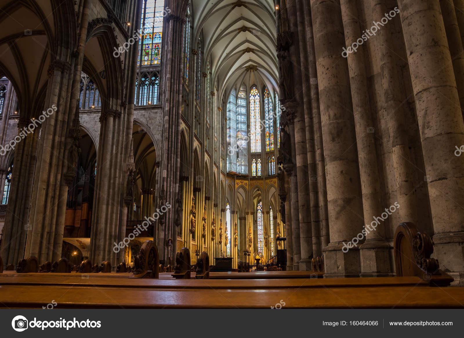 Interieur van de Dom van Keulen – Redactionele stockfoto © gumbao ...