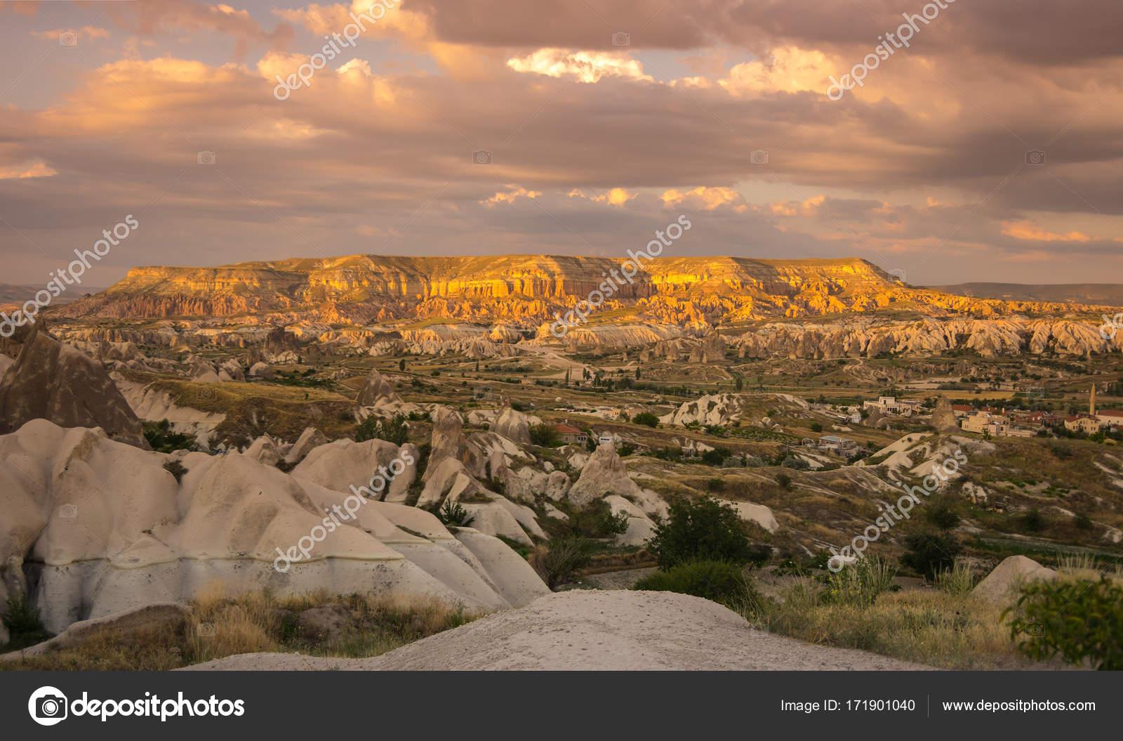 formations de pierre en cappadoce turquie photographie. Black Bedroom Furniture Sets. Home Design Ideas