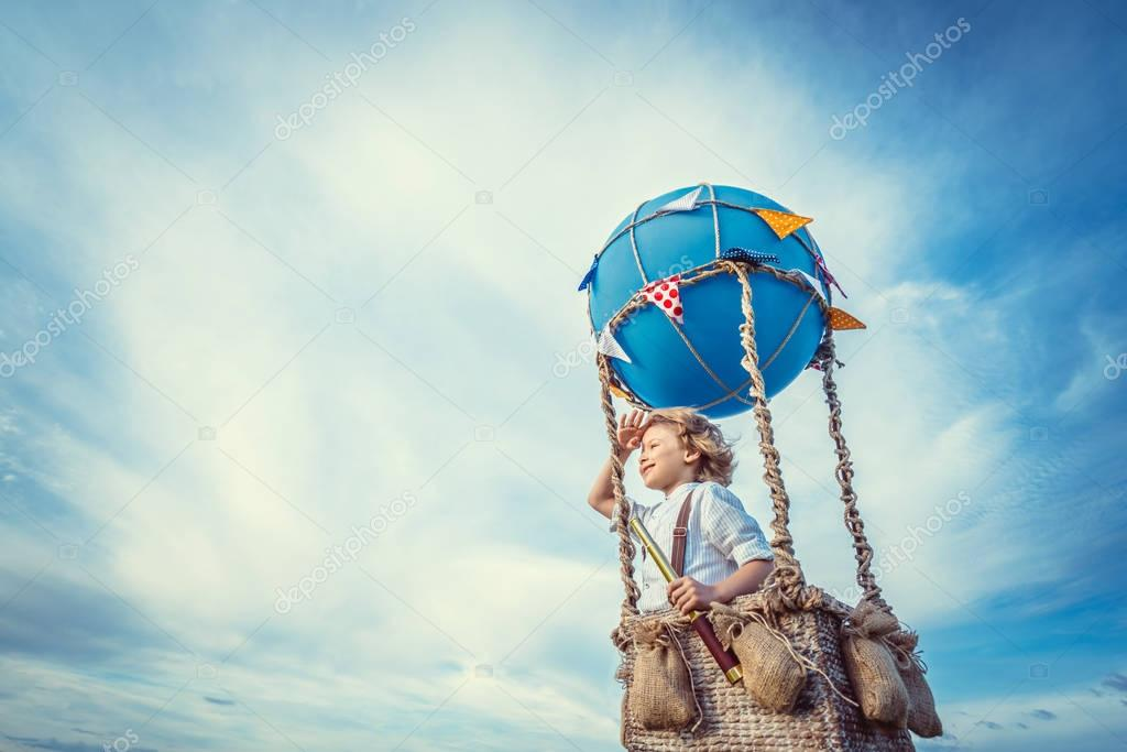 Traveler in a balloon