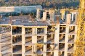 Staveniště s betonovými bloky