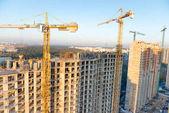 Staveniště s betonovými bloky na stavební průmysl