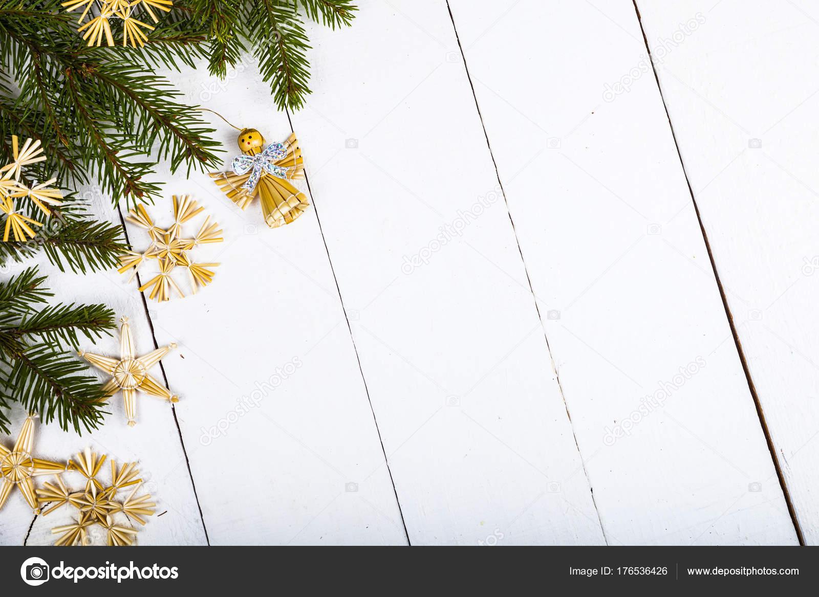 Flocons De Neige Marron Et Branches De Sapin Photographie Enika100