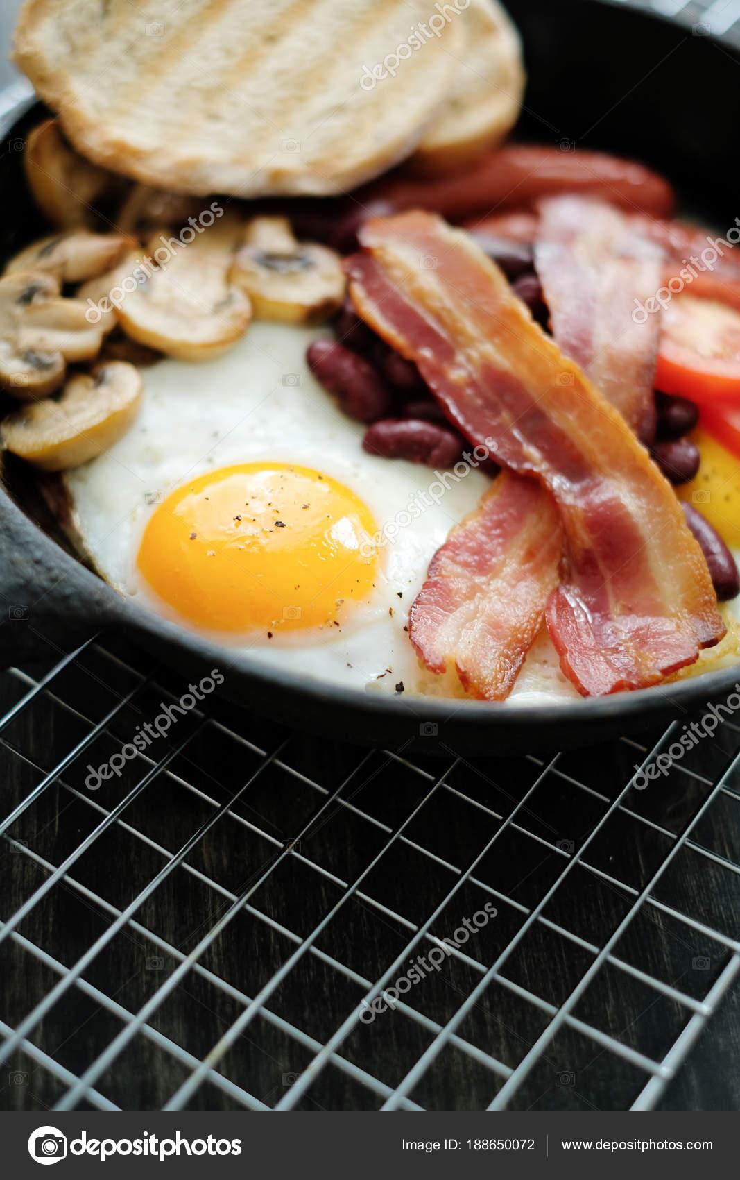 Cibo Cucina Colazione Inglese Padella Uova Bacon Funghi Pomodori ...