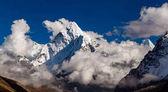 Ama Dablam hora v Himalájích inspirující krajinu, Nepál