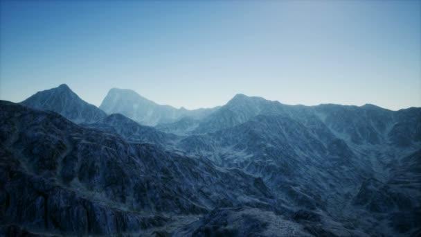 8K Letecká horská krajina ve vysoké nadmořské výšce