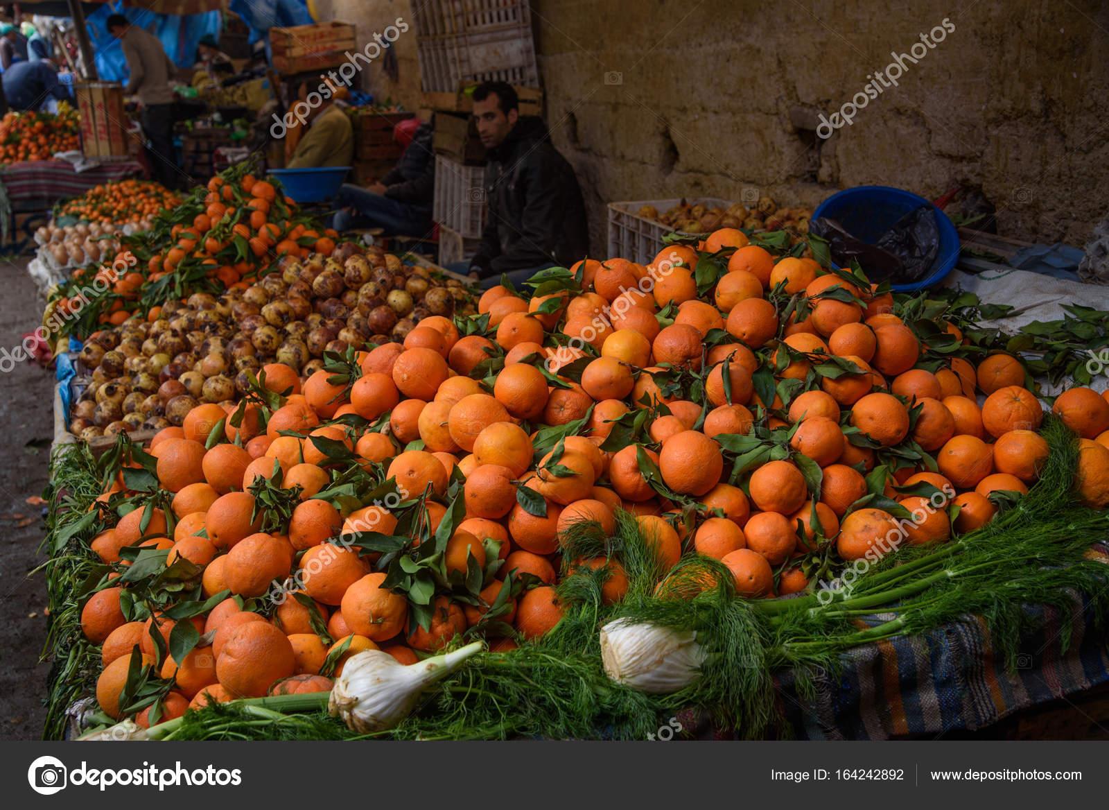58415f7d47d9f Tradycyjny rynek marokański (suk) w Fez