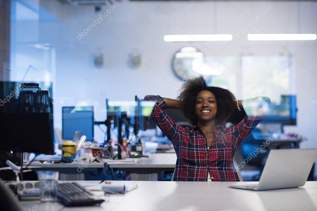 Афроамериканки в офисе — img 6