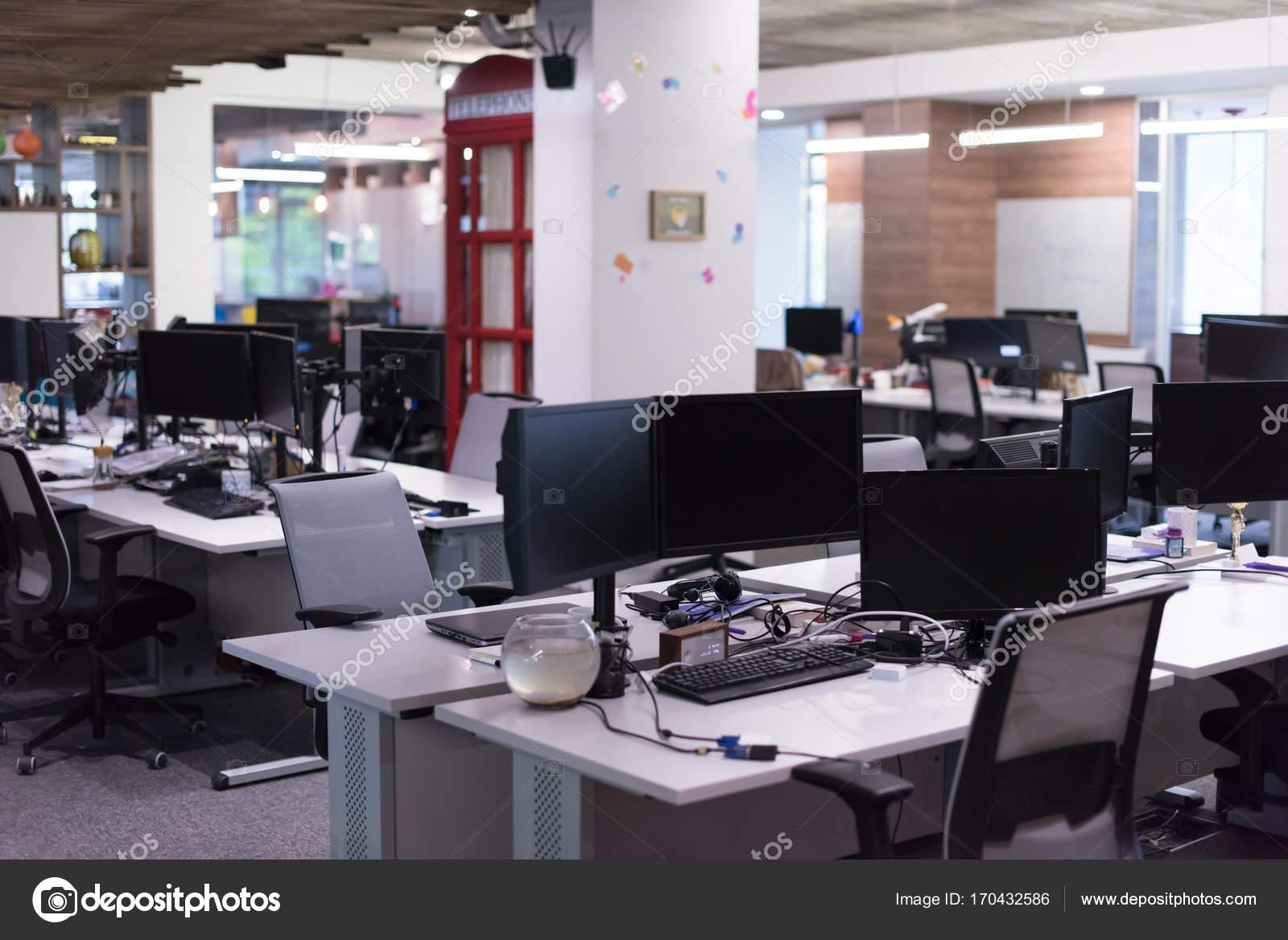 Vide bureaux modernes u2014 photographie .shock © #170432586