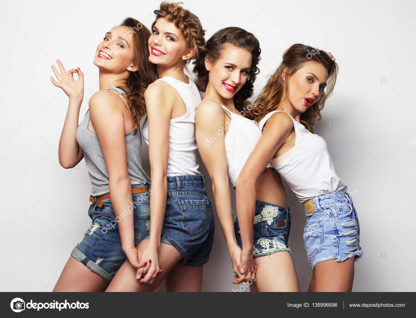Фото девушек сексуальные лезби