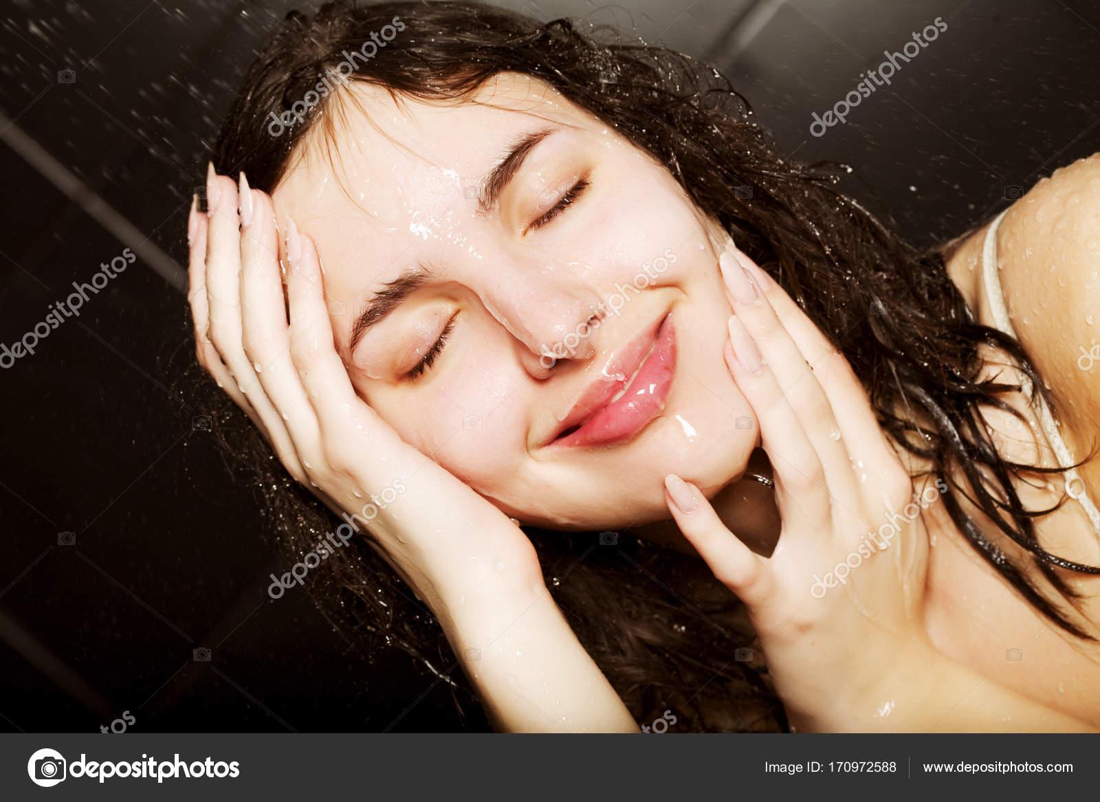 Dívky v sprchách