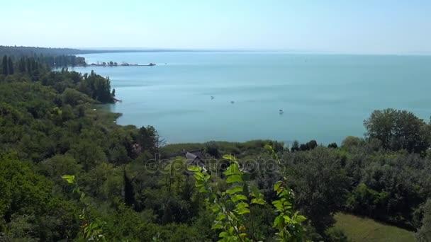 Gyönyörű táj, a Balatontól (Magyarország)