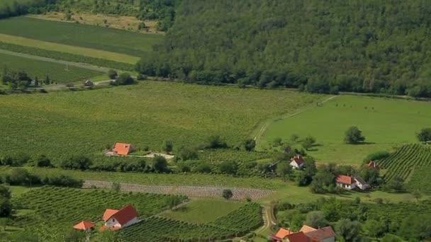 Szép zöld táj, a magyarországi vulkánok (a Balaton közelében)