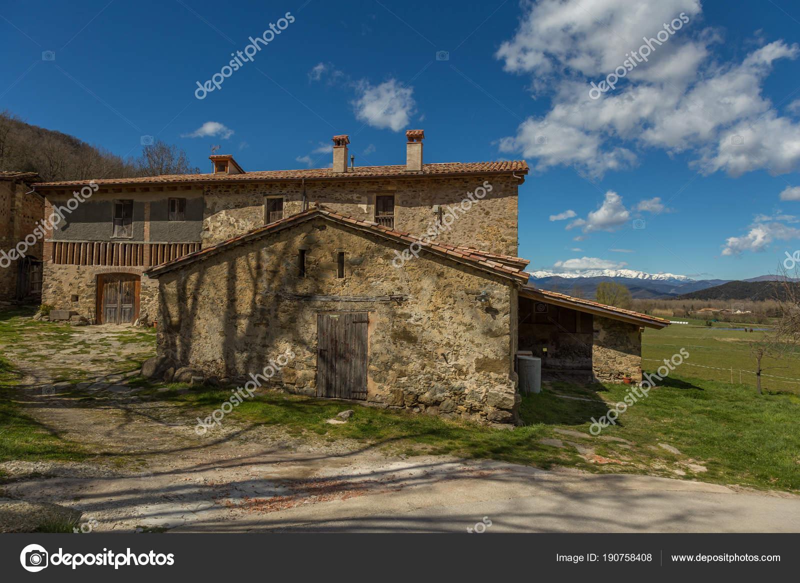 Case In Pietra Antiche : Antico casale in pietra ristrutturato a castellabate cilento sa