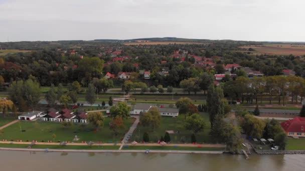 Légi drón kép a Balatonról, Balatonberény
