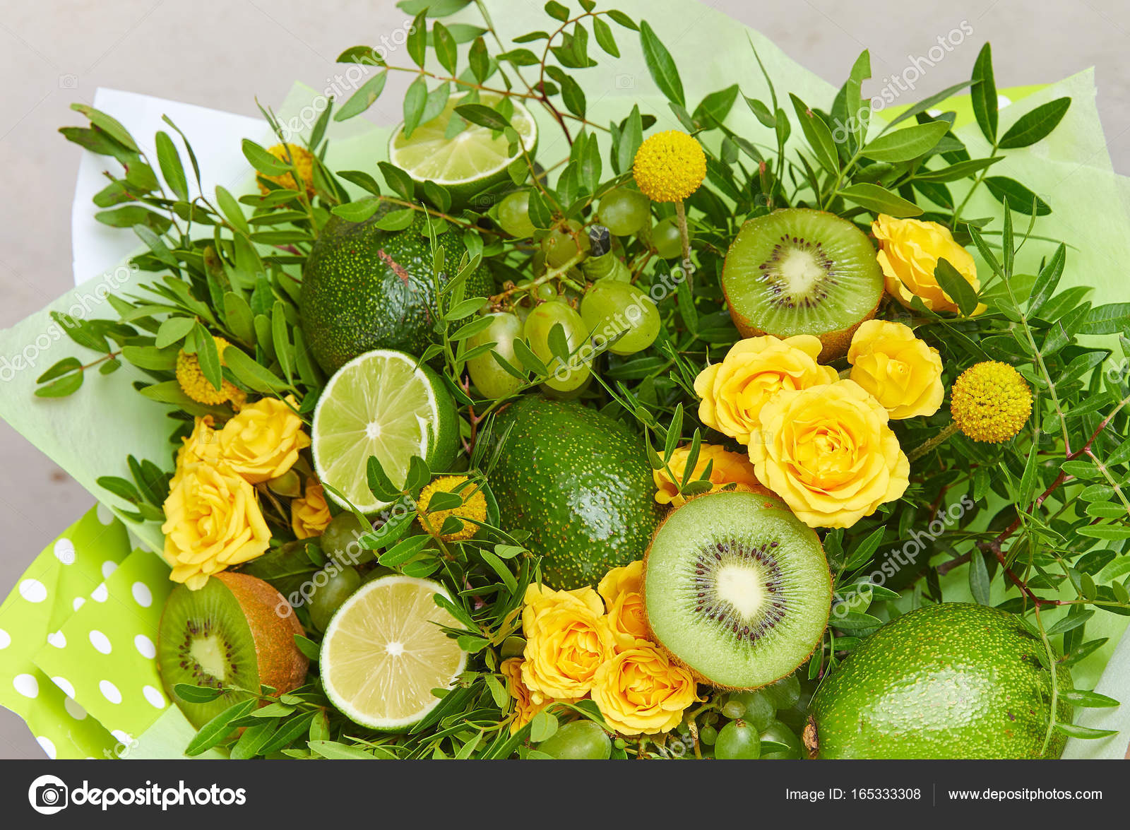 beautiful flower bouquet — Stock Photo © strelok #165333308