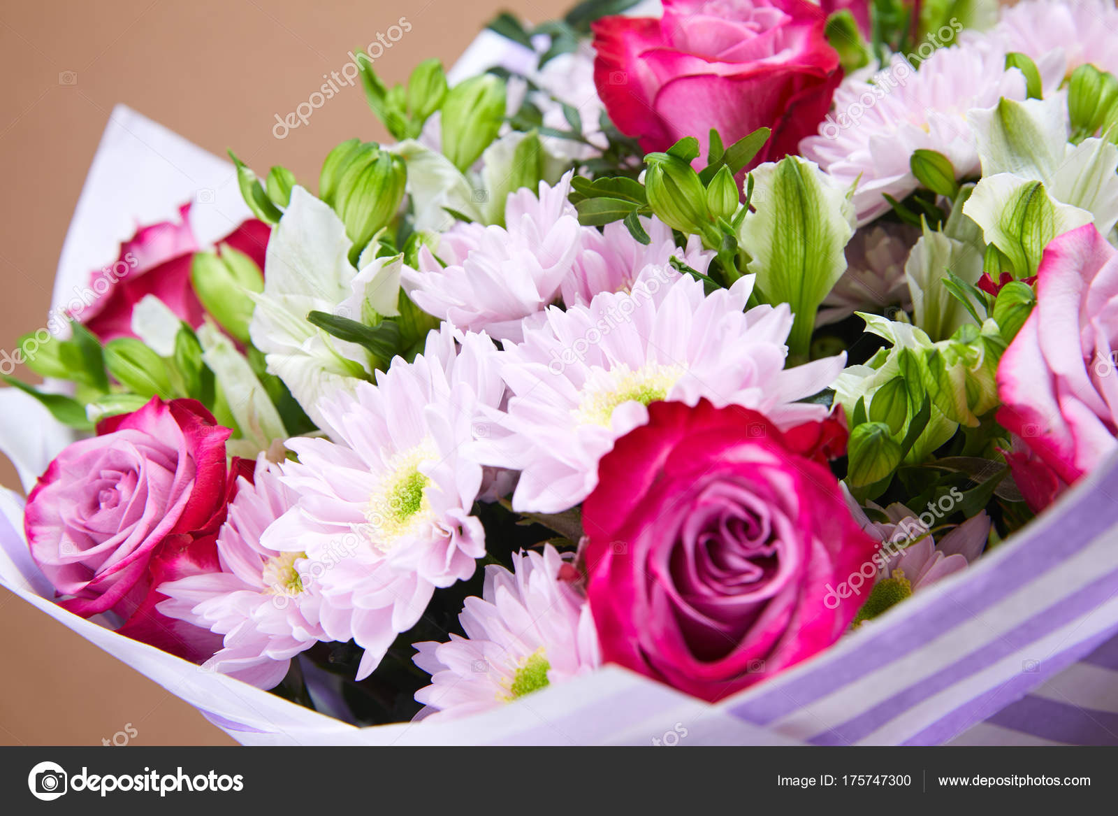 Nice Bright Flower Bouquet Close Stock Photo Strelok 175747300