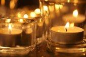 Photo decorative candle lights on dark background