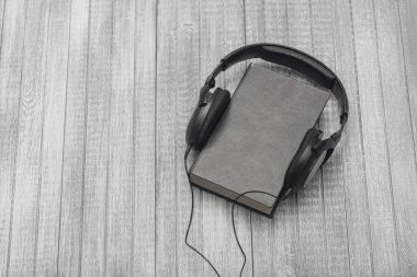 Listen adudiobooks concept